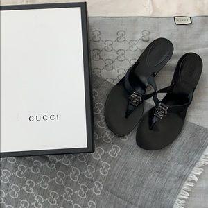 aae5fcc7e3fd96 Gucci Lifford Black GG Logo Kitten Heel Sandals